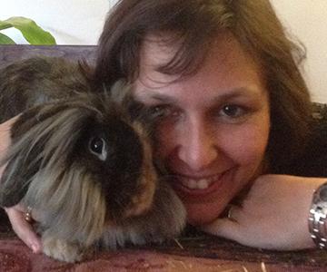 Carole bénévole Gamelles Sans Frontière lapins